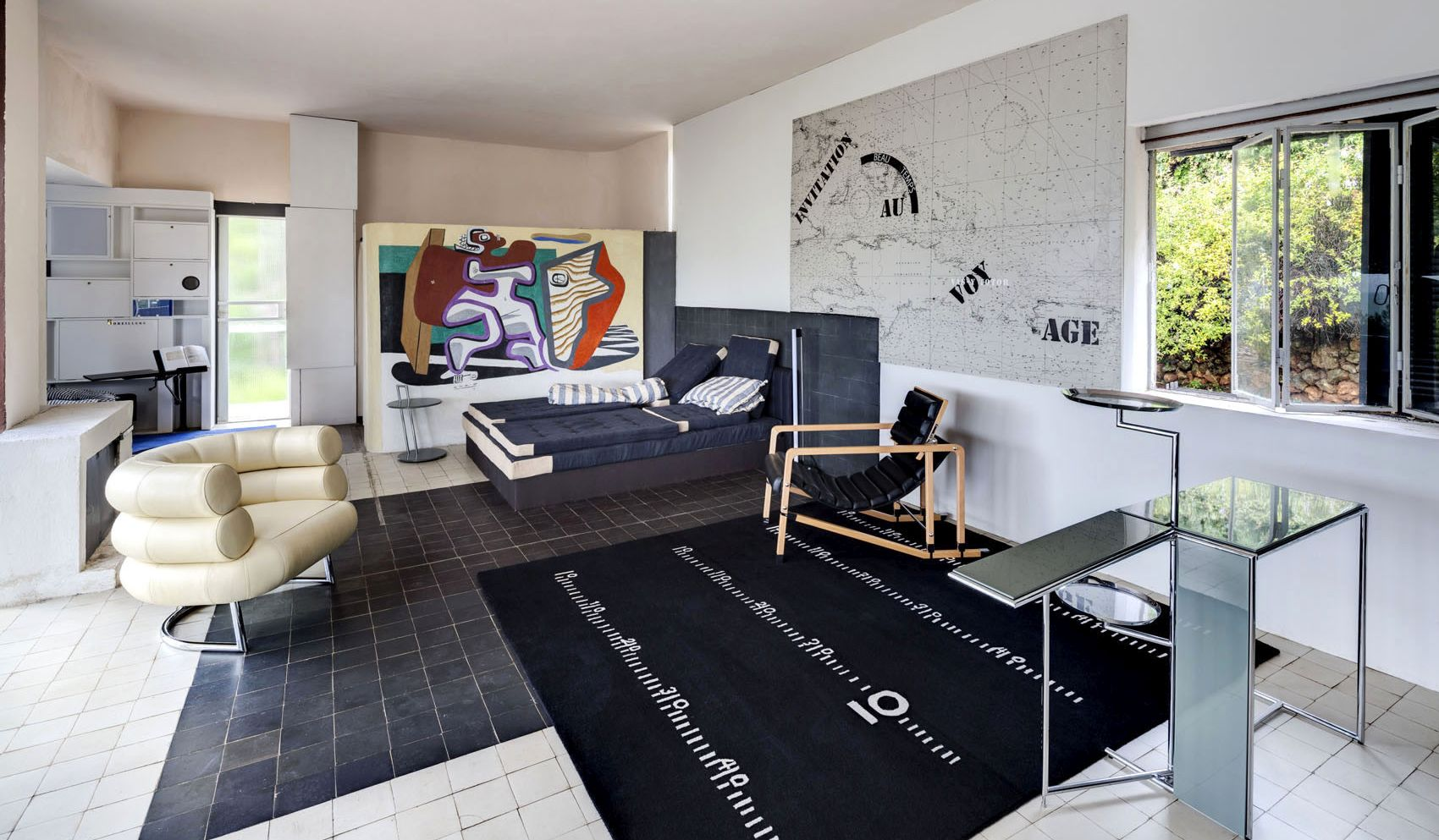 videogame and design the home of eileen gray officine dasa. Black Bedroom Furniture Sets. Home Design Ideas